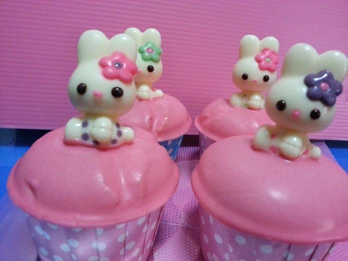 娃娃烘焙小屋 人氣可愛兔子杯子蛋糕