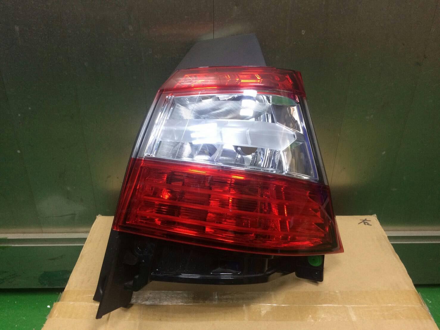 NISSAN全車系 L11後燈R(外)T32 Z51 A34 TIIDA C12 CE VERITA B17 HS