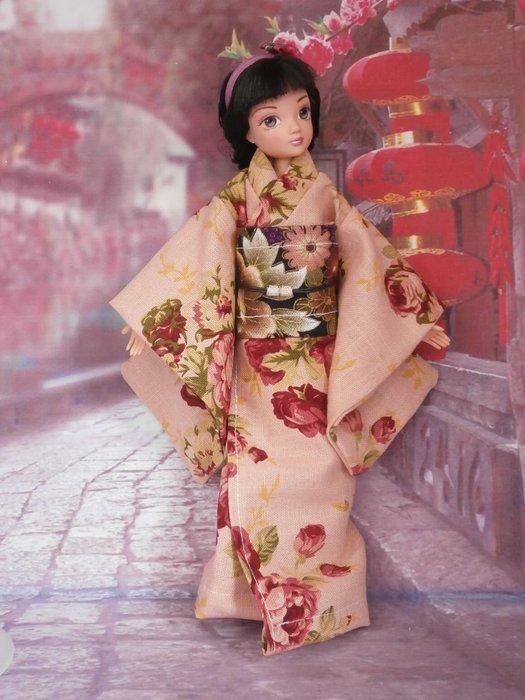 小禎ㄟ雜貨 館主手製和服娃娃  搭配可兒娃娃臉很有日味 含娃娃一隻 (7)
