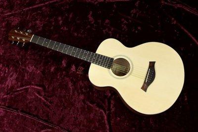 大鼻子樂器 公司貨 AOSDW 木吉他...