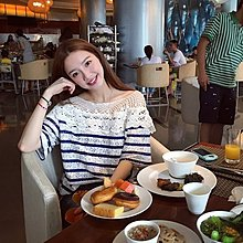 ❤CAT貓咪皇后~KOREA首爾渡假風甜美可愛性感鉤花鏤空藍白條紋蕾絲衫~韓國 初夏戀曲小