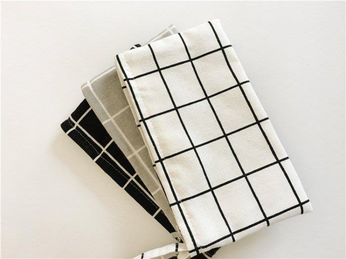 新品上市~ 個性黑白格子棉麻布包 原創手工格子棉布零錢包/ 化妝包 筆袋