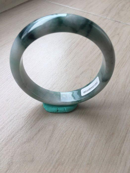 天然翡翠(A貨)18.4圍手鐲NT9600元..獨特絕美#195