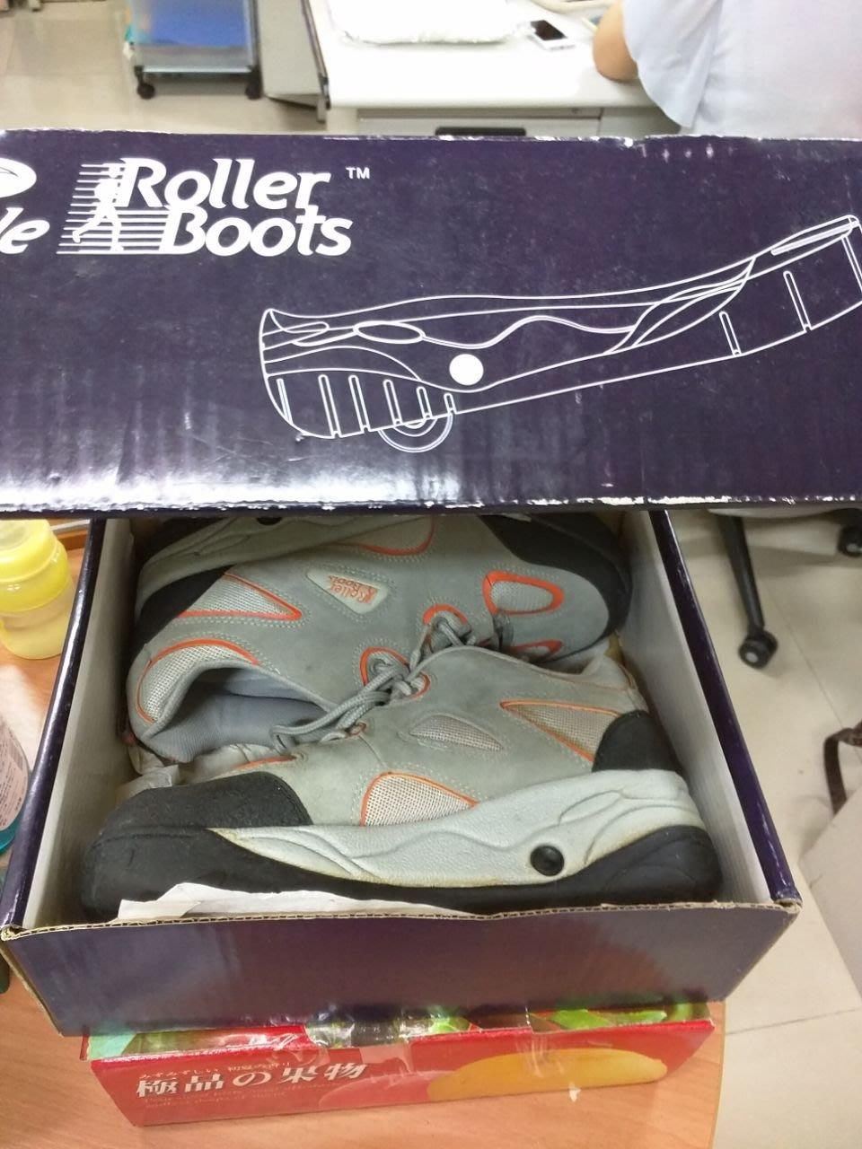 【Timezone Shop】小孩子用的 隱藏式滑板鞋 溜冰鞋  兩用鞋