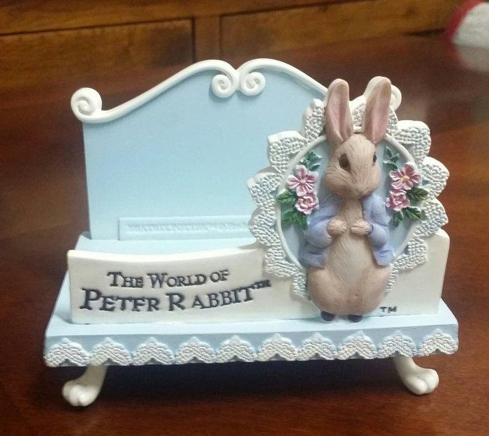 美生活館 -- 全新 彼得兔 PETER RABBIT 藍色 蕾絲系列---名片座/便條紙座/信件座/手機座-送禮自用