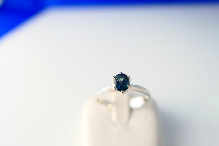 [吉宏精品交流中心]60分 天然藍寶石 白K金 戒指(生日禮物)