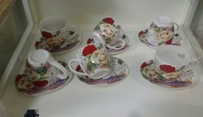 OUTLET限量低價出清美生活館---全新新骨瓷 玫瑰之戀 花茶杯/咖啡杯組禮盒(六杯六盤)---送人自用皆宜