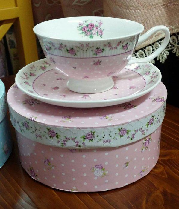 美生活館 -- 全新 鄉村風 骨瓷 玫瑰花 花草 杯盤組 一杯一盤組 杯組 花茶咖啡杯組獨享杯組---粉紅款