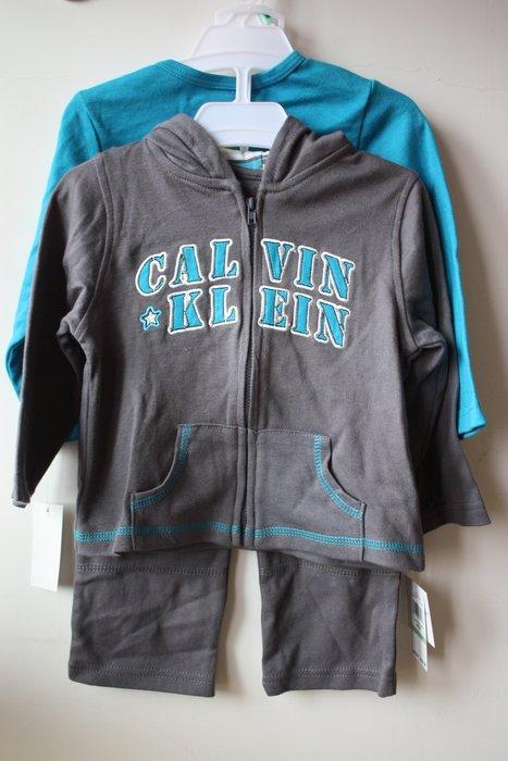 【Calvin Klein CK boy】全新正品 連帽薄外套 + 長袖T恤 + 長褲 彌月禮 三件組【18M】