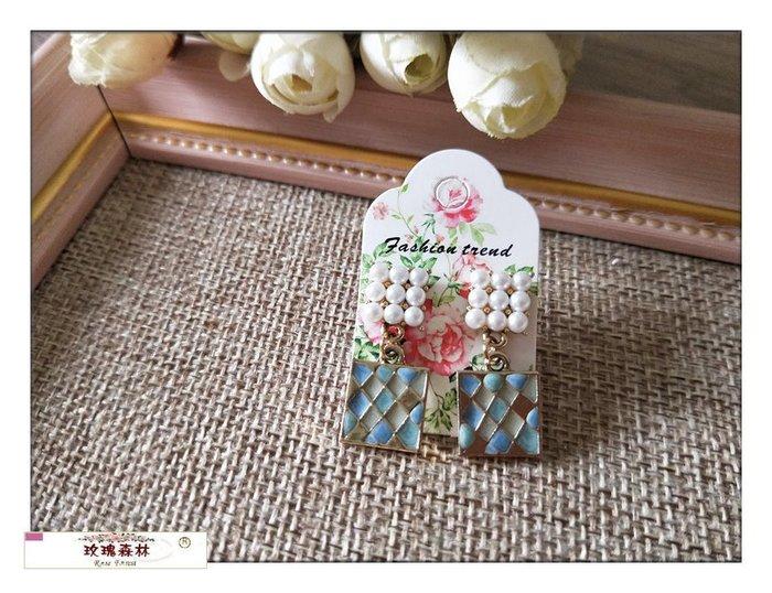 玫瑰森林-- ☆°* 美麗嚴選~手創文藝浪漫珍珠方塊+彩繪方塊 耳針式耳環