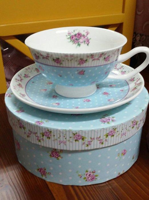 美生活館 -- 全新 鄉村風 骨瓷 玫瑰花 花草 杯盤組 一杯一盤組 杯組 花茶咖啡杯組獨享杯組---淺藍款