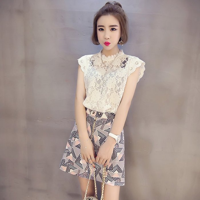 現貨供應[8011581]小資平價禮服坊-韓版百搭款鏤空花漾蕾絲罩衫