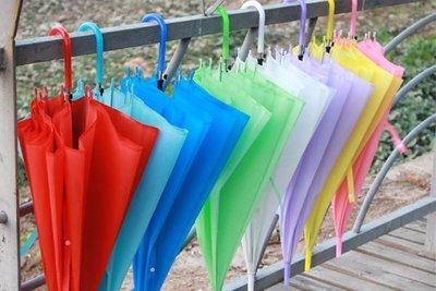 ☆藍藍的天☆【Y4D8058】素色簡單實用晴雨兩用傘直傘表演傘小直傘糖果色傘素面傘彩色傘小雨傘果凍傘愛心物資愛心傘