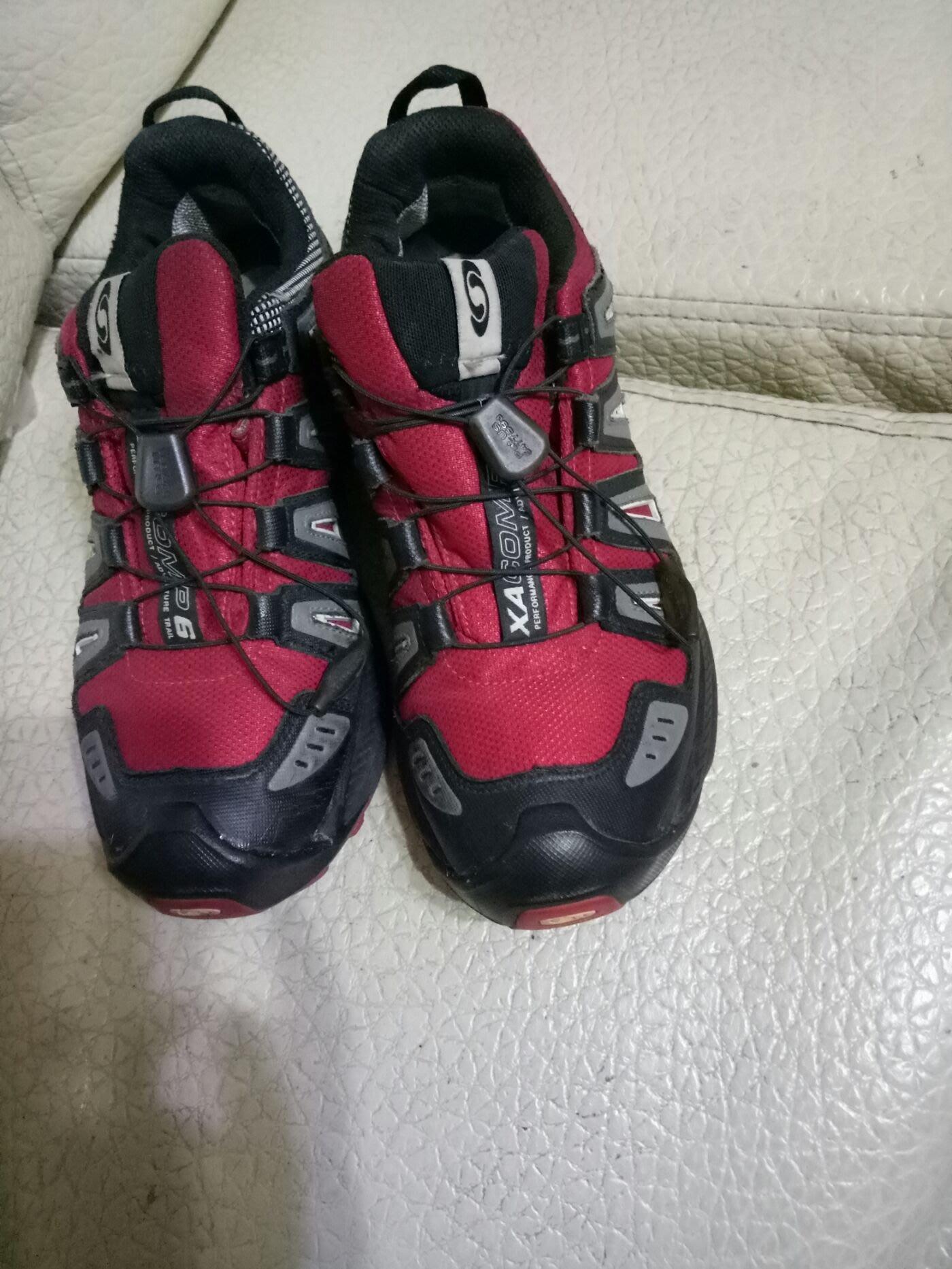 品牌SALOMON. GORE TEX運動鞋24.5/39.5男女生皆可穿