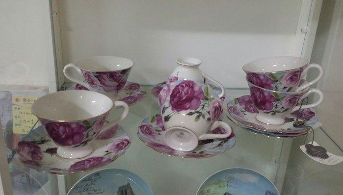 OUTLET限量低價出清美生活館---全新新骨瓷 玫瑰花 花茶杯/咖啡杯組禮盒(六杯六盤)---送人自用皆宜