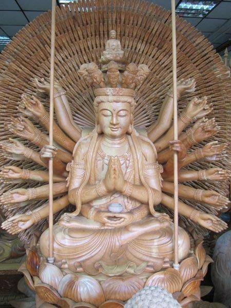 木雕佛像訂製來自朱銘傳承 ~ 樟木雕神佛像製作 木雕佛像維修 佛像法像動靜之間牽一髮而動全身秘密 / 請佛供養洽詢天珠寺