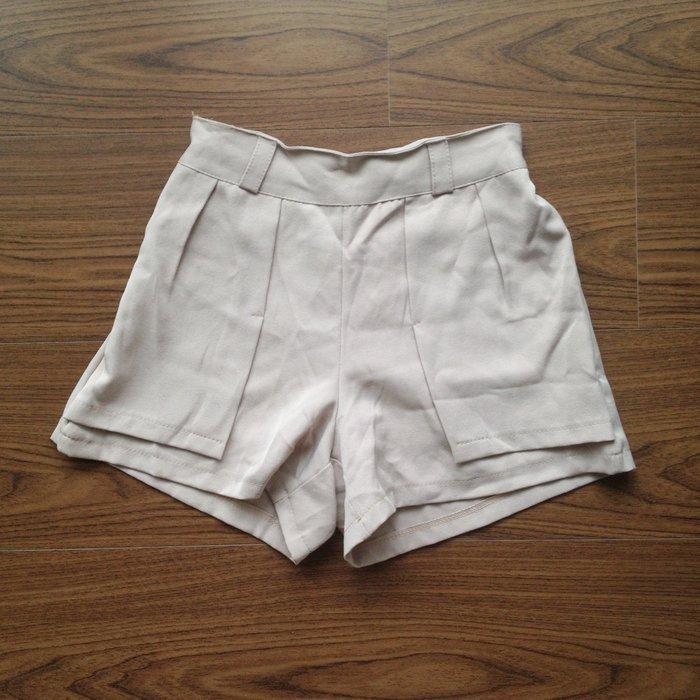 ~新品賠售~西裝短褲 杏色 多層次A字剪裁修飾大腿 上班
