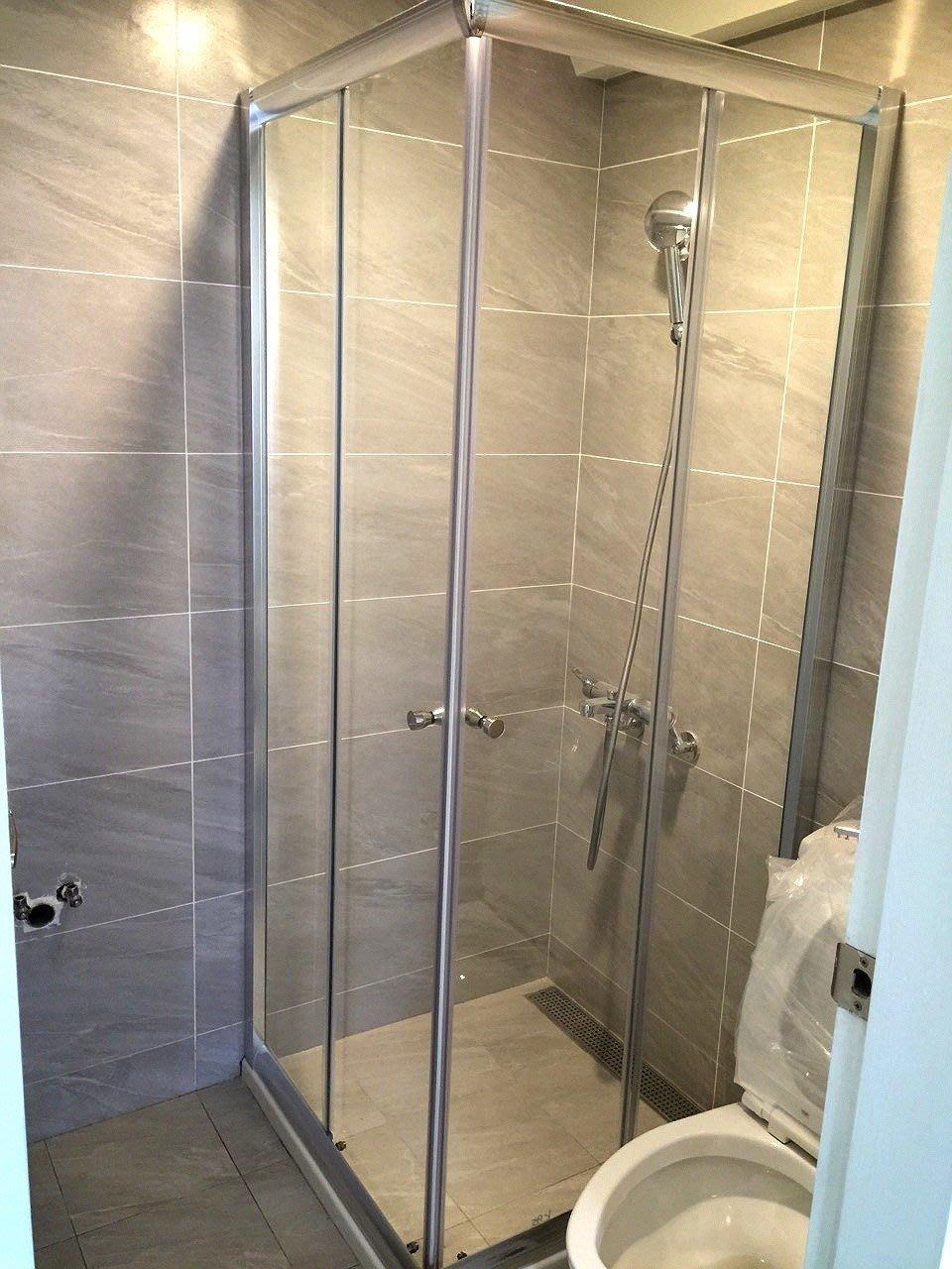 【奧斯卡衛浴】乾溼分離 極緻亮銀簡框2門2固直角雙門對開 (非塑膠體輪子) 淋浴拉門 含丈量、安裝
