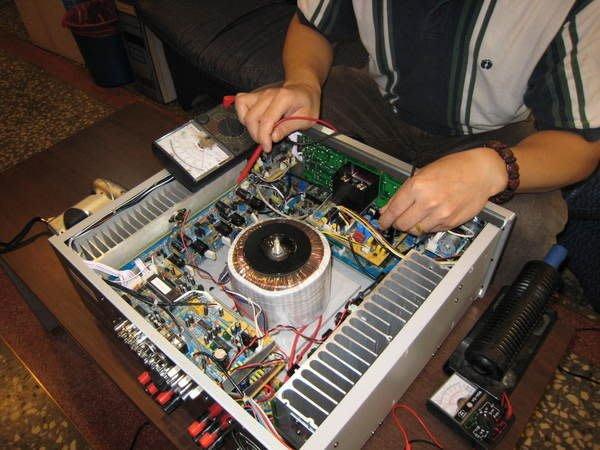 音響維修服務站修理金嗓美華大唐音圓卡拉OK點歌機擴大機音響麥克風伴唱機可舊機換新機點歌機維修推薦找桃園音響維修找三重音響