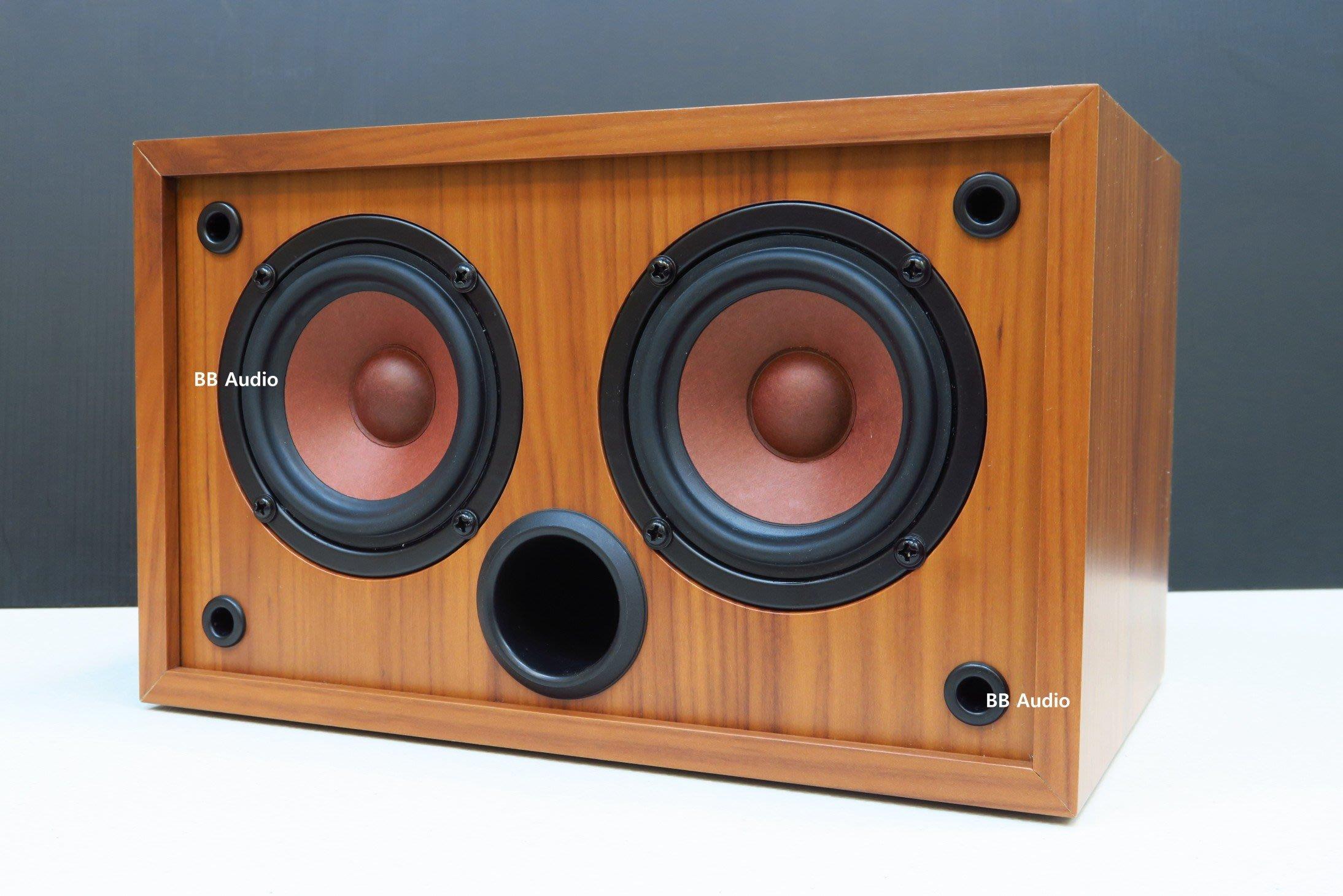 全新 3吋二聲道喇叭音箱(機器人一號)亦可並聯當一聲道音箱使用或中置音箱