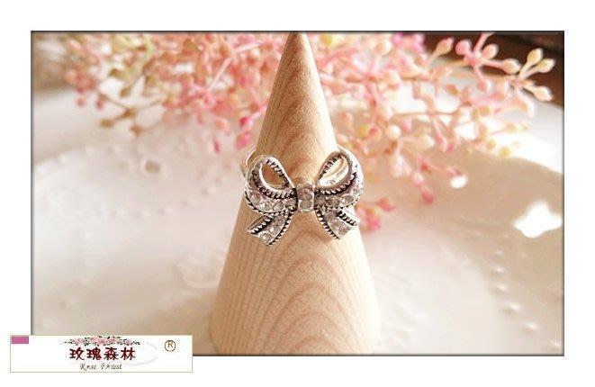 玫瑰森林-- ☆° 精緻嚴選~氣質女孩 復古銀色鑲鑽蝴蝶結  戒指(特價)