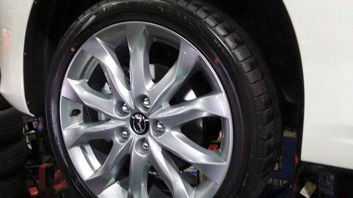 普利司通 215/45/18 日本製 3850元  你沒有看錯  18吋全新輪胎就賣你3850 買到真的賺到