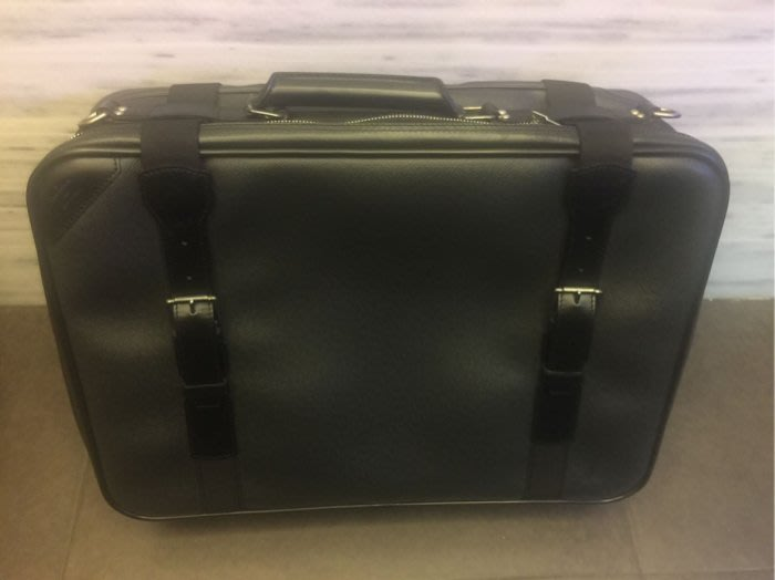 LV手提側背 行李箱 登機箱,整體約9成新。【中山區恩典當舖】精品名錶交流交換質借典當