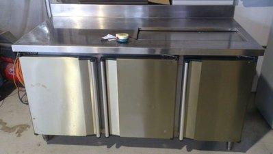 ㊖華威搬家=更新二手倉庫㊖ 儲冰槽工作台製冰POS機沙拉吧冰飲料吧台咖啡機租借/劇組/外拍戲劇/租賃/戲劇/不銹鋼工作台