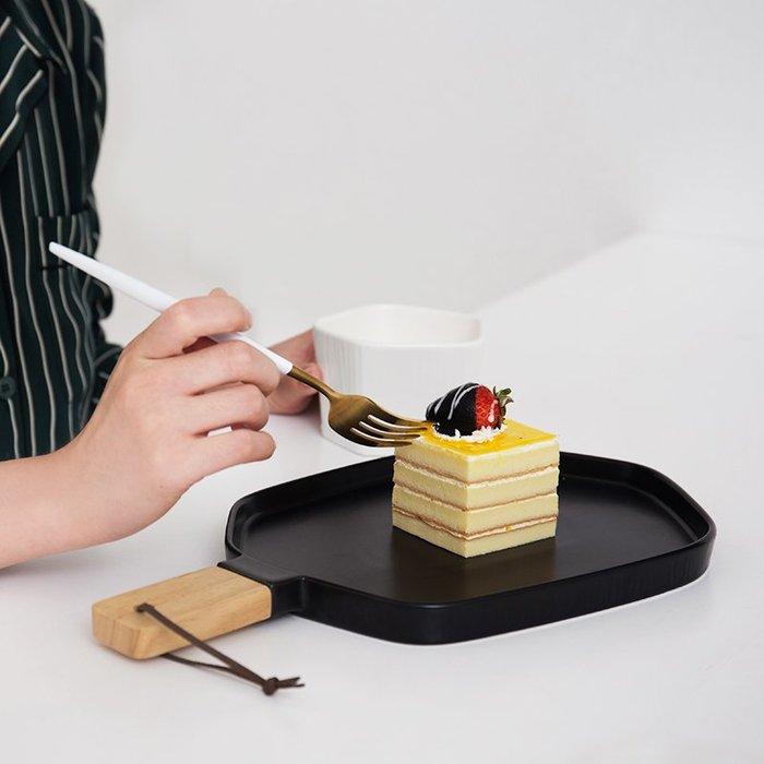 【Uluru】北歐 陶瓷 菜盤 沙拉 早餐 盤 盤子 主餐 餐廳 早午餐 飯店 loft zakka 工業 雜貨 餐盤