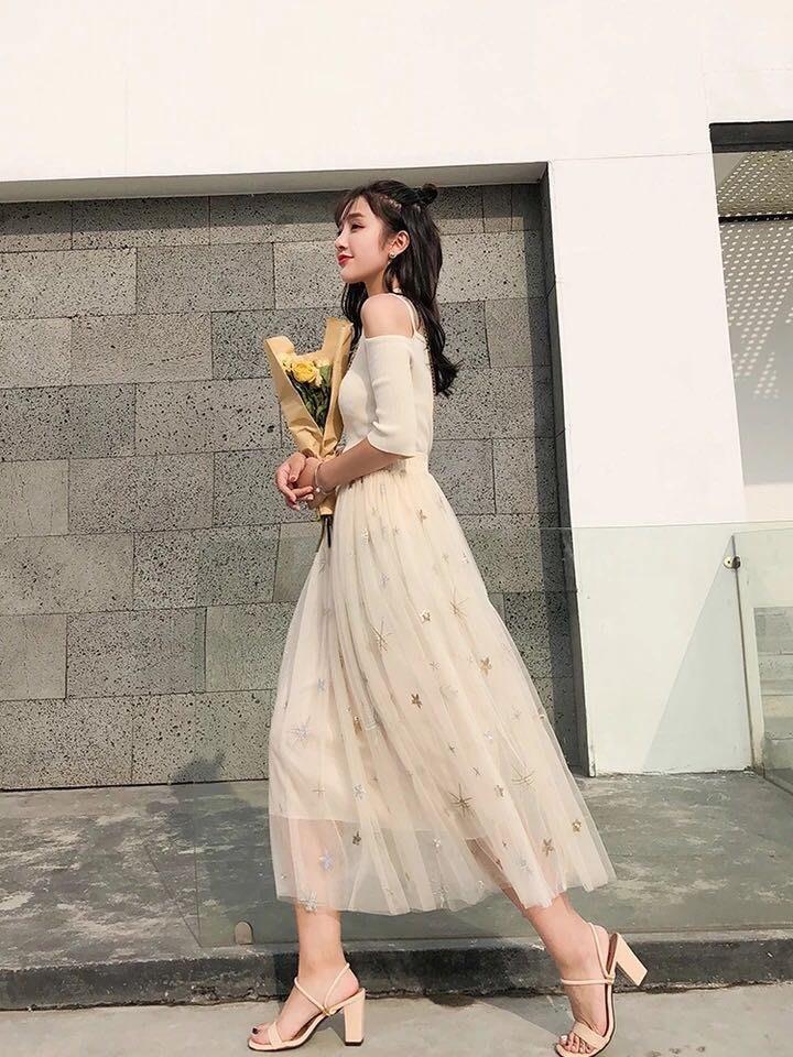 刺繡星星紗裙(三色)