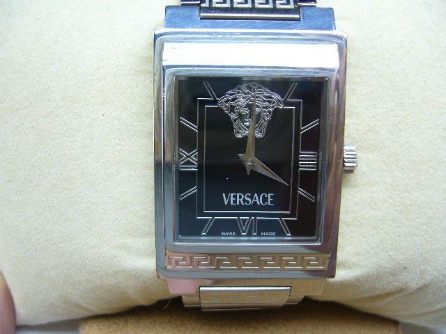 [吉宏精品交流中心]VERSACE 凡賽斯 梅杜莎 黑面 不鏽鋼 石英 男錶