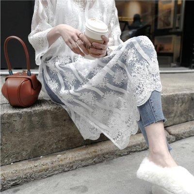 現貨 韓貨  氣質透膚 大開叉蕾絲花邊罩衫 洋裝  chic ☆ Z6732