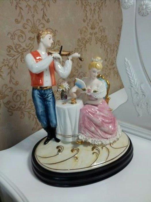美生活館 傢飾精品 歐式古典 陶瓷 提琴情侶 擺飾 入宅 送禮 收藏 自用皆宜