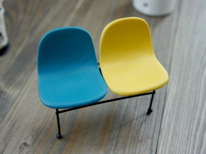 雙色迷你椅 居家 桌上 佈置小物 迷你 可愛 小物 精美 禮物 擺飾 網拍背景 攝影 道具 椅子 金屬 工業風
