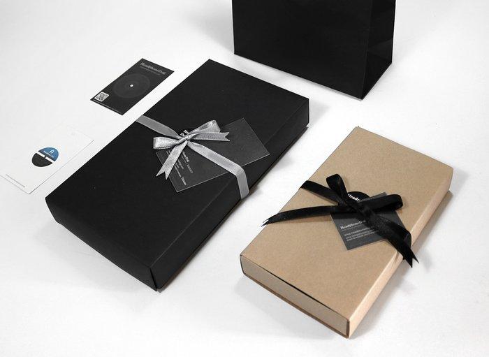 加購 特製送禮包裝組(特製禮物盒+禮品緞帶+黑色小卡)