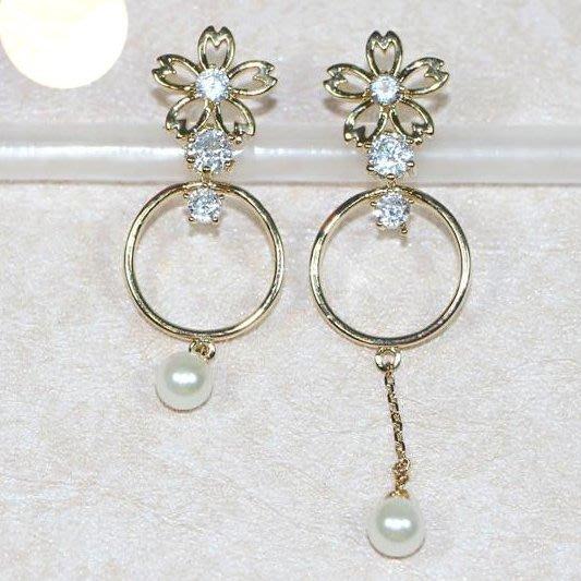 浪漫派飾品 G679 一見傾心 櫻花落 不對稱耳環 夾式耳環 矽膠耳環 無耳洞專用