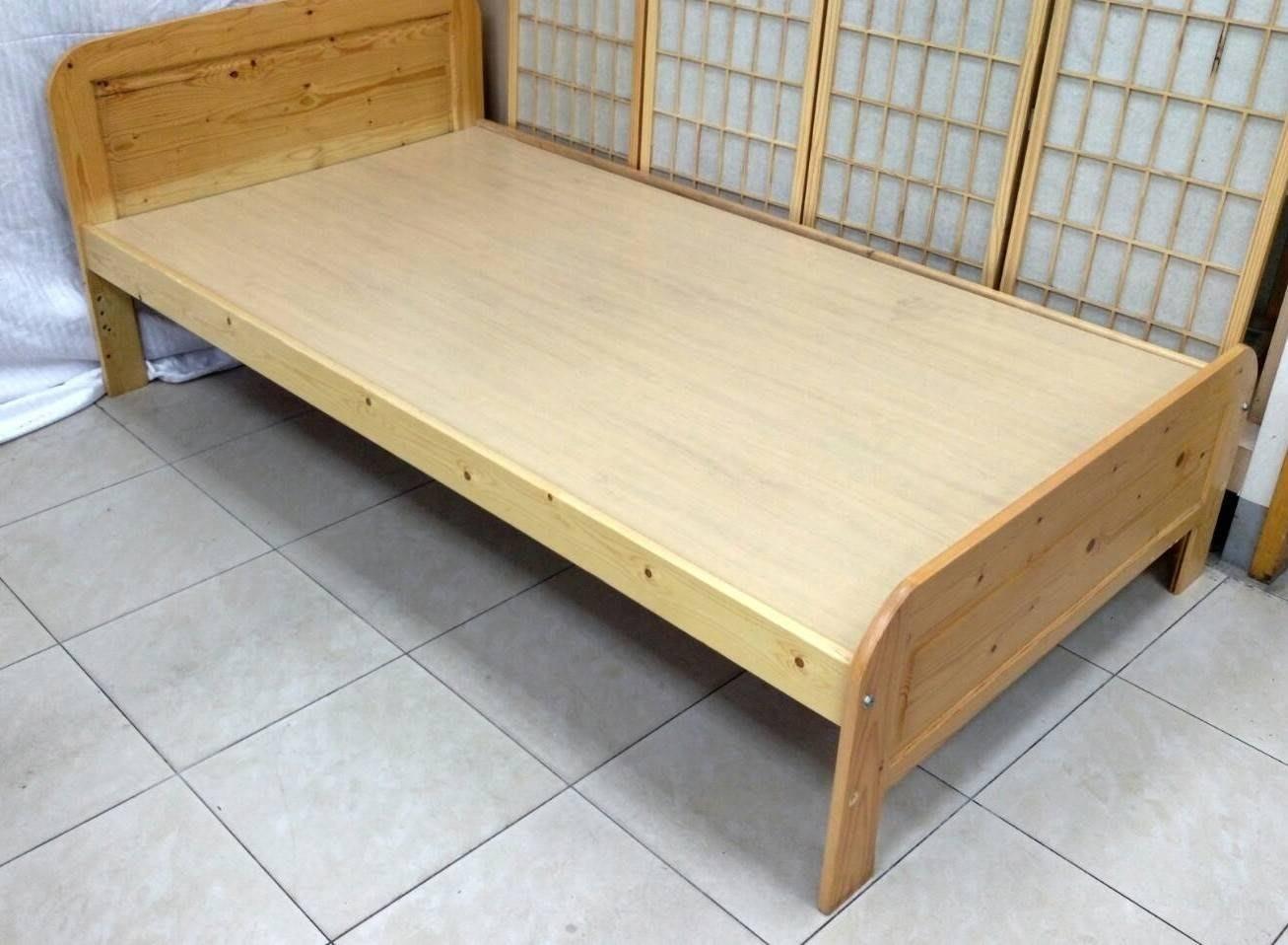南投 二手家具 松木3.5尺床架 雙人床 單人床 草屯二手家具收購 上下床 高架床 遊戲床 嬰兒床 子母床 掀床