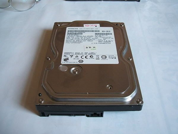 '蘆洲小虎二手電腦' 二手 Hitachi 3.5吋硬碟 500G SATAII 硬碟 7200轉 店面保固一個月