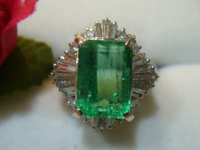 出清換現 天然哥倫比亞祖母綠3.32克拉配鑽0.72克拉純白金鑽戒  附鑑定書