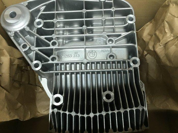 BMW M3 差速器後蓋 差速器散熱蓋  BMW E9X M3 差速器散熱蓋 BMW正廠零件