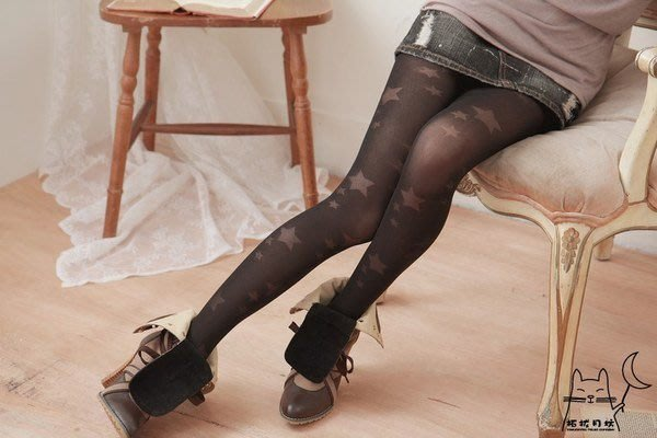 【拓拔月坊】日本知名品牌 M&M Frifla 大小星星洞洞 褲襪 日本製!現貨!