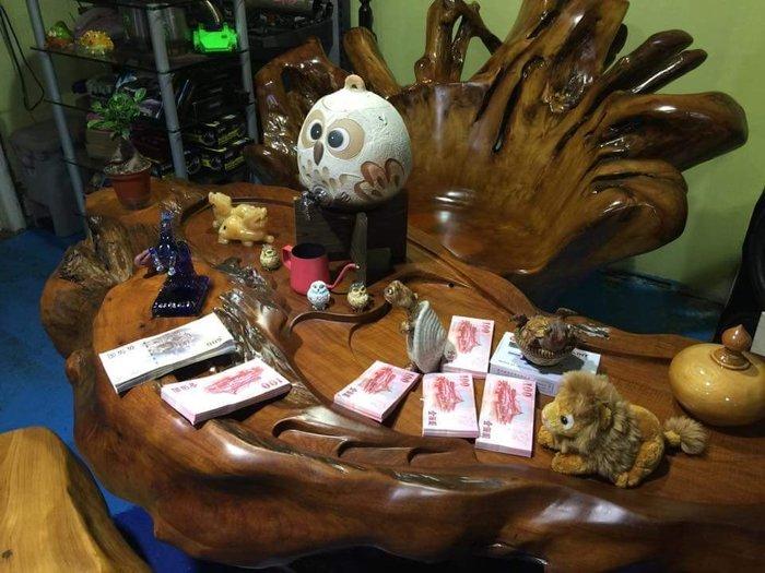 實木泡茶桌 80000元 (造型茶盤)實木泡茶椅 現貨40個歡迎現場選購 一個8000元 保證實木 香氣四溢 招財進寶