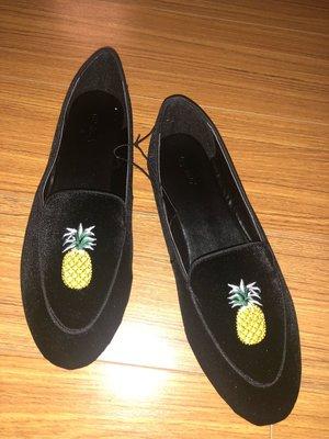 ###國外帶回max絨面刺繡平底舒適鞋size:39