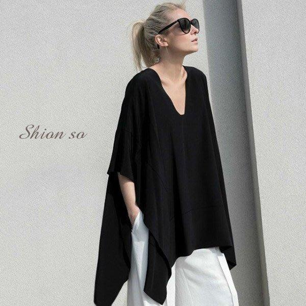 享瘦衣身中大尺碼【B7129】V領不規則造型蝙蝠袖寬版長上衣