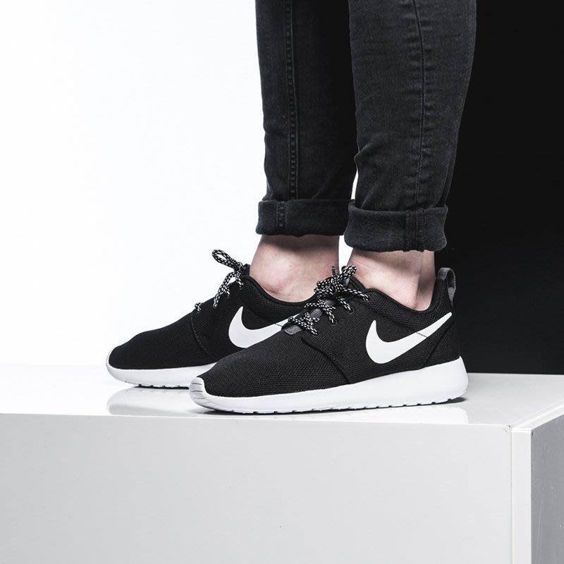 *猛獸*Nike Roshe One 黑白 休閒 透氣 女鞋 844994-002