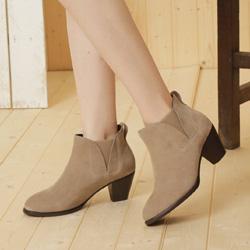 牛麂皮拼接鬆緊帶造型粗跟踝靴