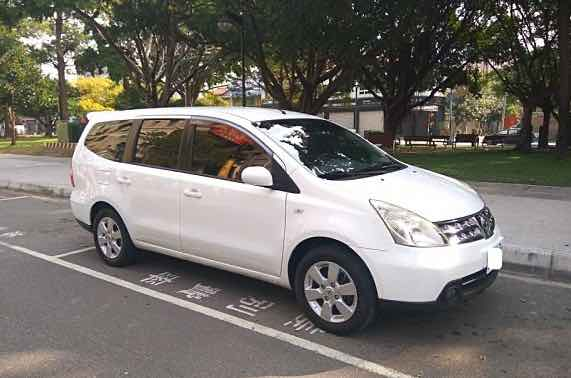 2012 LIVINA 七人座
