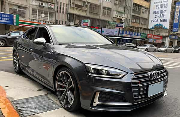 2018式 Audi A5