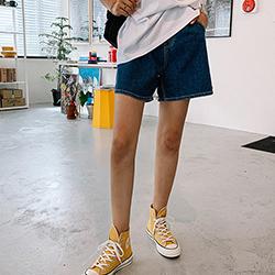 小打摺A字褲型牛仔短褲