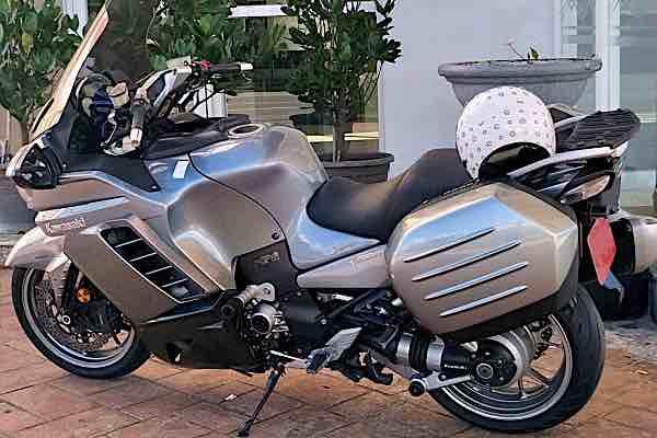 Kawasaki GTR 1400 多功能運動跑旅